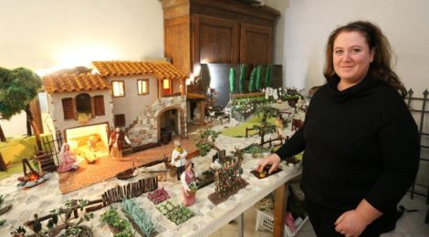 Un presepe da record all'uncinetto!